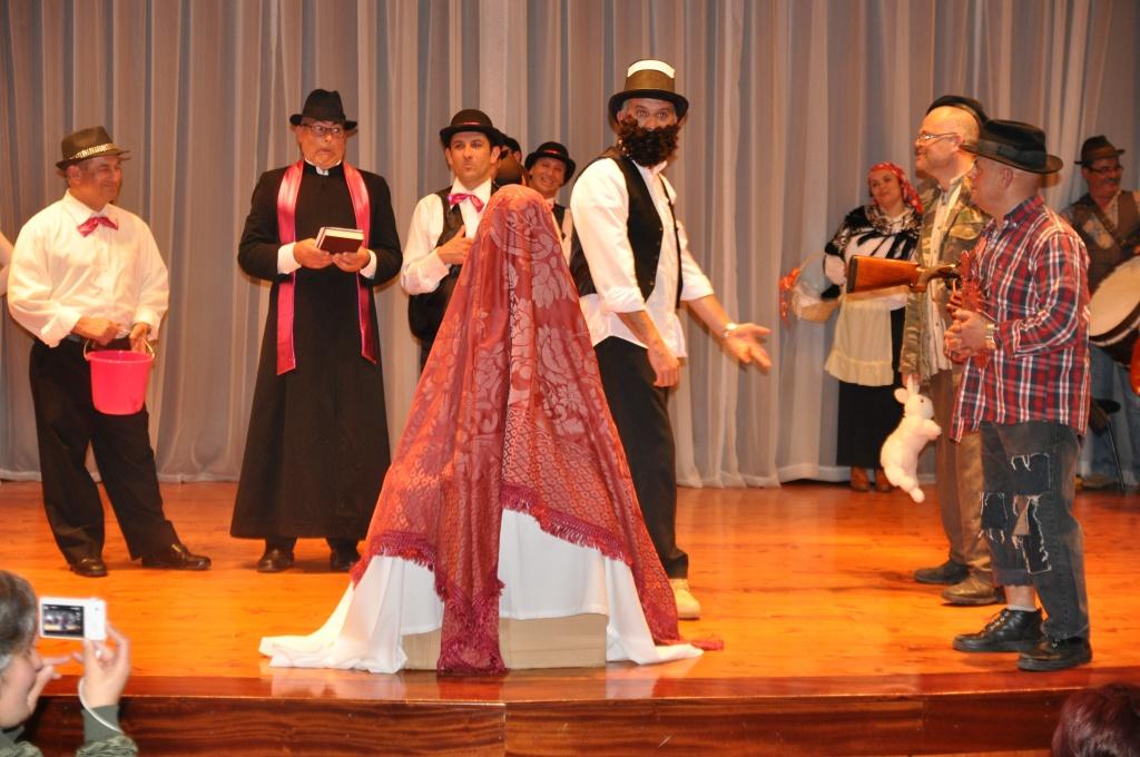 Grupos da Salga revivem o espetáculo de teatro e danças de Carnaval no concelho de Nordeste