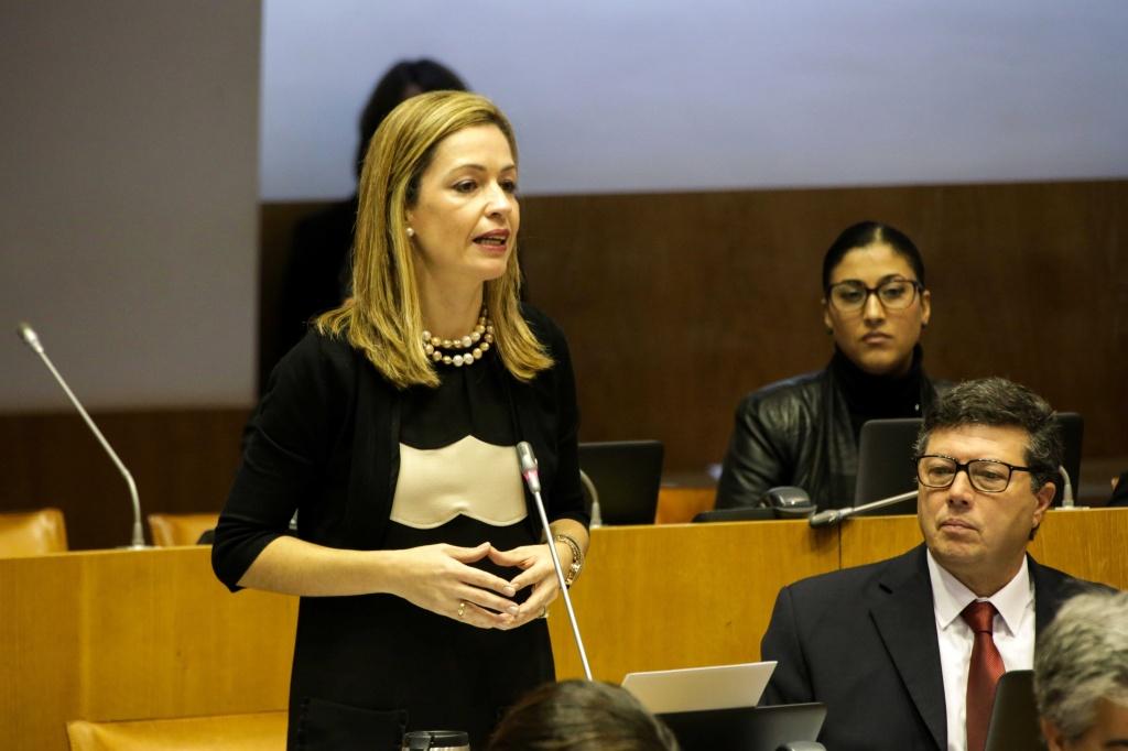 Governo falha compromisso de instalar contentores na Secundária da Ribeira Grande